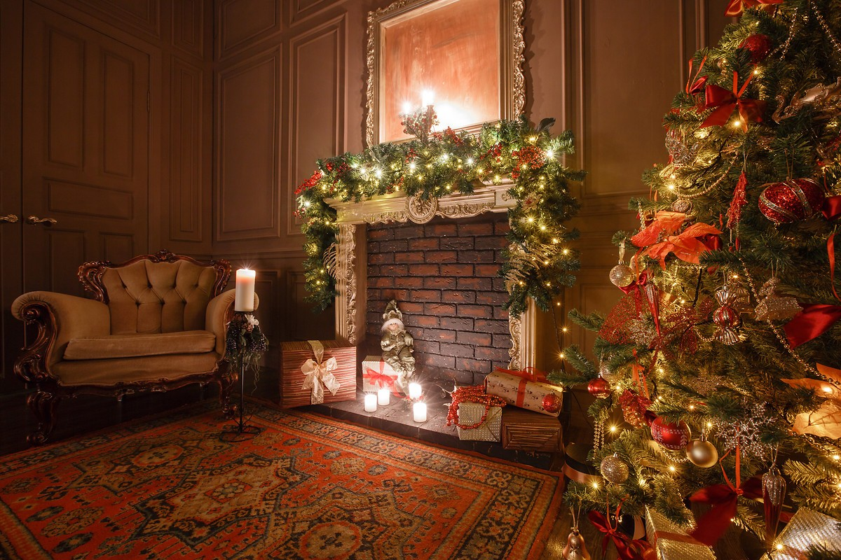 Christmas Fireplace Free Wallpaper Download