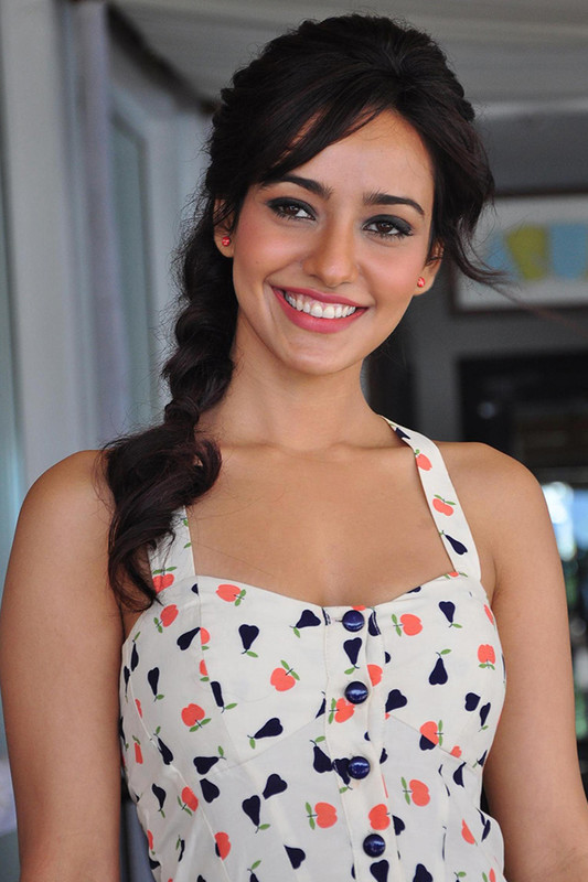 Neha Sharma Fans Free Android Live Wallpaper Download